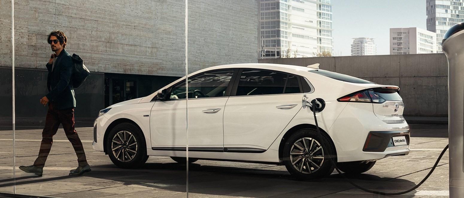 Så let er det at oplade din elektriske bil